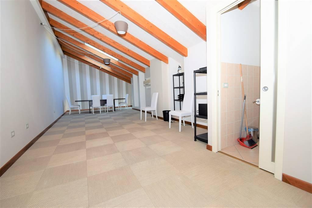 Ufficio / Studio in affitto a Massa e Cozzile, 1 locali, prezzo € 420 | Cambio Casa.it