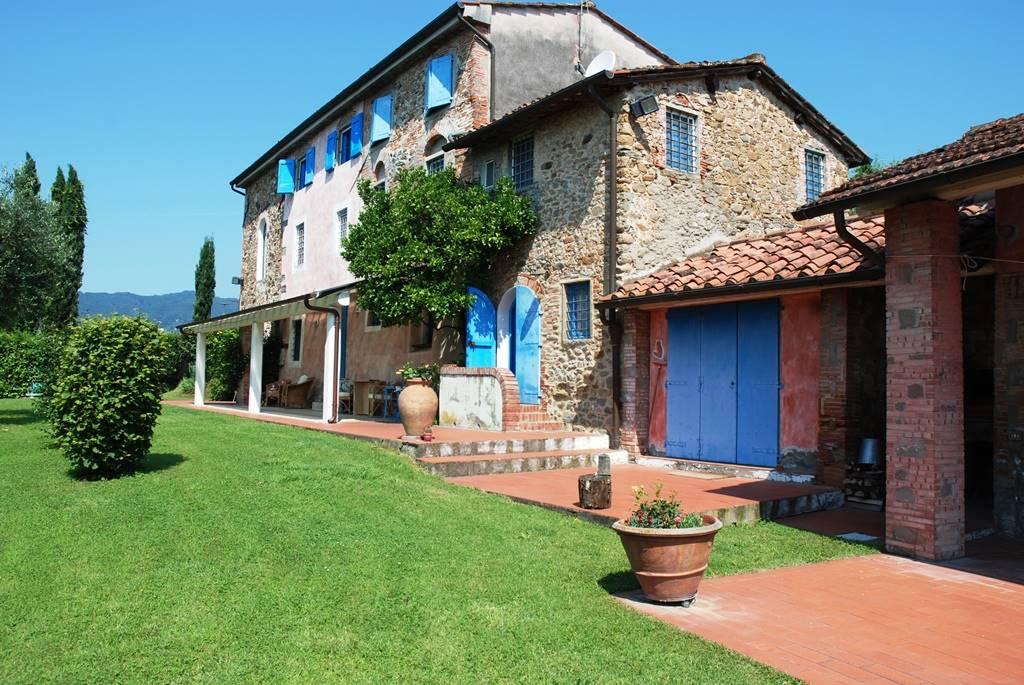 Villa in vendita a Massa e Cozzile, 10 locali, prezzo € 650.000 | Cambio Casa.it