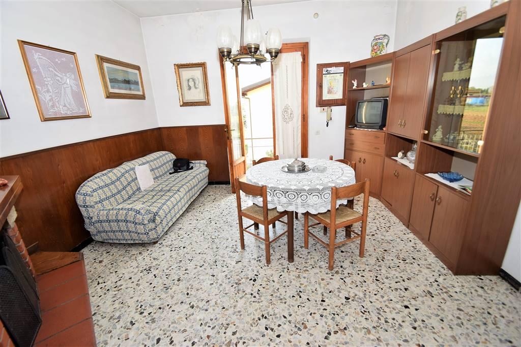 Appartamento in vendita a Pieve a Nievole, 5 locali, prezzo € 143.000 | Cambio Casa.it