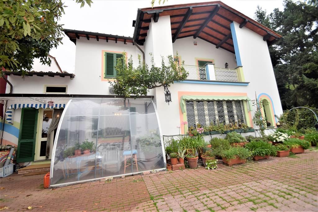 Villa Bifamiliare UZZANO