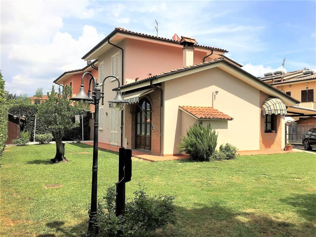 Villa Bifamiliare PESCIA