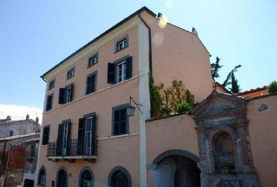 Villa in vendita a Celleno, 10 locali, prezzo € 600.000 | CambioCasa.it