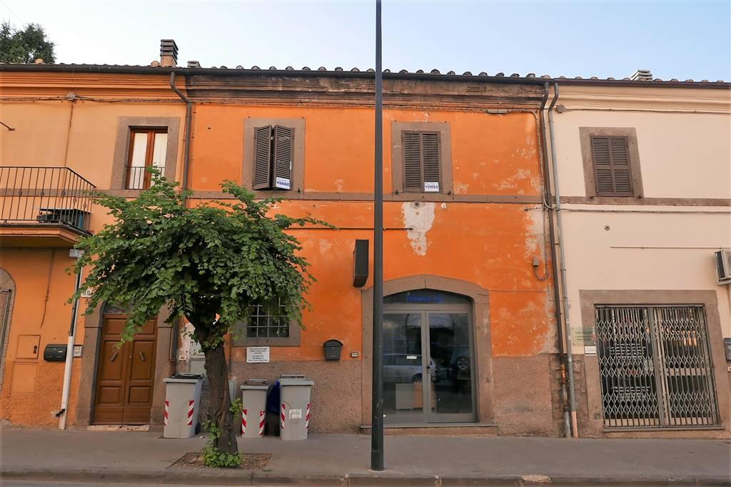 Appartamento in vendita a Montefiascone, 4 locali, prezzo € 65.000 | CambioCasa.it