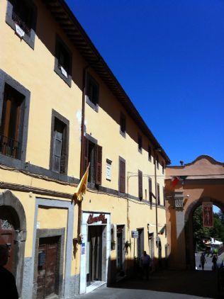 Appartamento in vendita a Montefiascone, 4 locali, prezzo € 68.000 | Cambio Casa.it