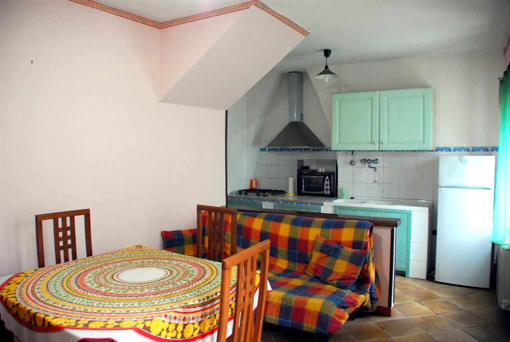 Soluzione Indipendente in vendita a Montefiascone, 3 locali, zona Zona: Poggetto, prezzo € 52.000 | Cambio Casa.it
