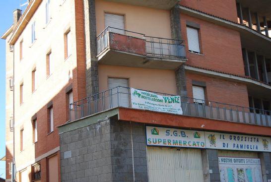 Appartamento in vendita a Montefiascone, 6 locali, prezzo € 100.000 | CambioCasa.it