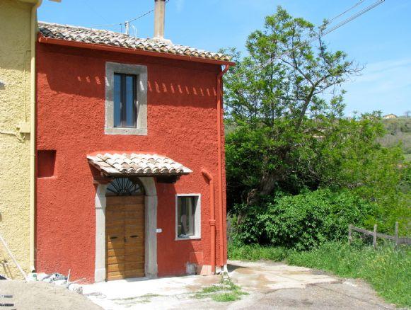 Rustico / Casale in vendita a Montefiascone, 2 locali, prezzo € 55.000 | CambioCasa.it