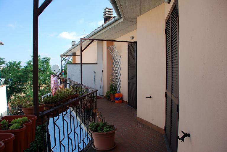 Villa a Schiera in vendita a Montefiascone, 6 locali, prezzo € 105.000   Cambio Casa.it