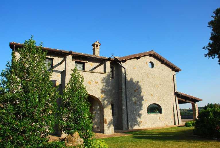 Rustico / Casale in vendita a Montefiascone, 12 locali, prezzo € 925.000 | CambioCasa.it