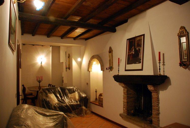 Soluzione Indipendente in vendita a Montefiascone, 4 locali, prezzo € 78.000 | Cambio Casa.it