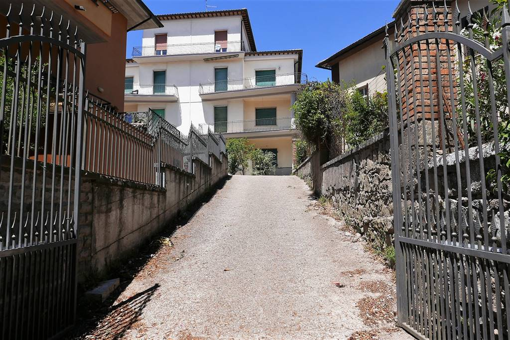 Soluzione Indipendente in vendita a Montefiascone, 4 locali, prezzo € 130.000 | CambioCasa.it