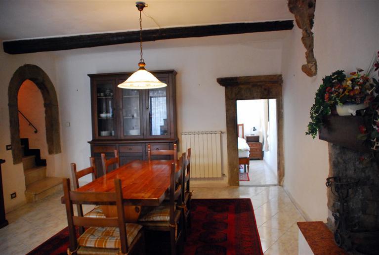 Soluzione Indipendente in vendita a Montefiascone, 4 locali, prezzo € 99.000   Cambio Casa.it