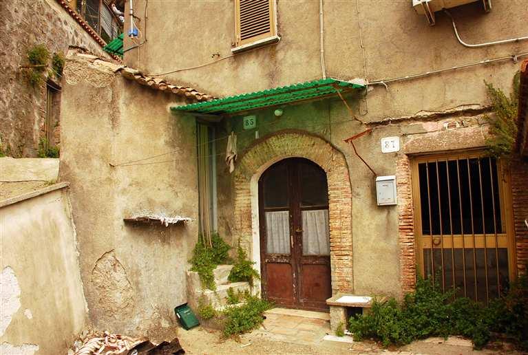 Soluzione Indipendente in vendita a Montefiascone, 3 locali, prezzo € 20.000 | Cambio Casa.it