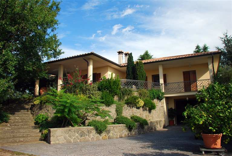 Villa in vendita a Montefiascone, 8 locali, prezzo € 390.000 | Cambio Casa.it