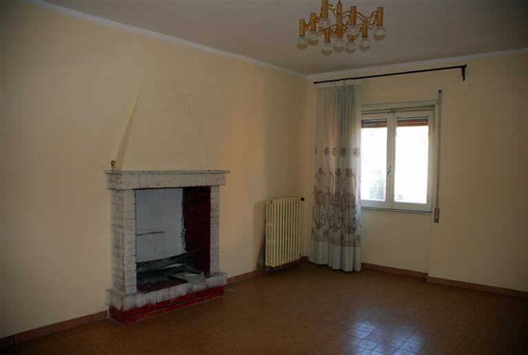 Soluzione Indipendente in vendita a Montefiascone, 6 locali, zona Zona: Zepponami, prezzo € 90.000   Cambio Casa.it