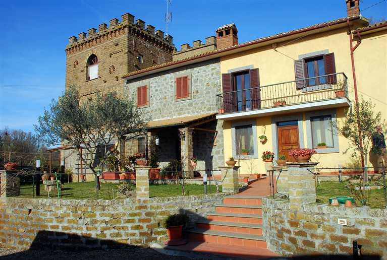 Rustico / Casale in vendita a Montefiascone, 7 locali, Trattative riservate | Cambio Casa.it