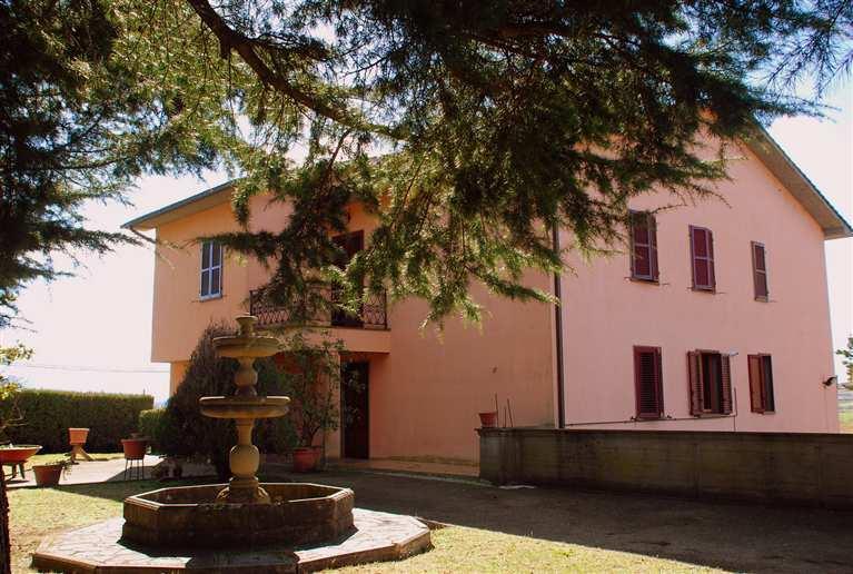 Villa in vendita a Viterbo, 11 locali, zona Zona: Periferia, prezzo € 360.000 | Cambio Casa.it