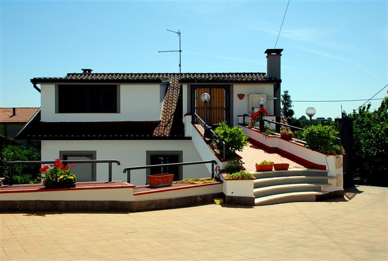 Soluzione Indipendente in Affitto a Montefiascone