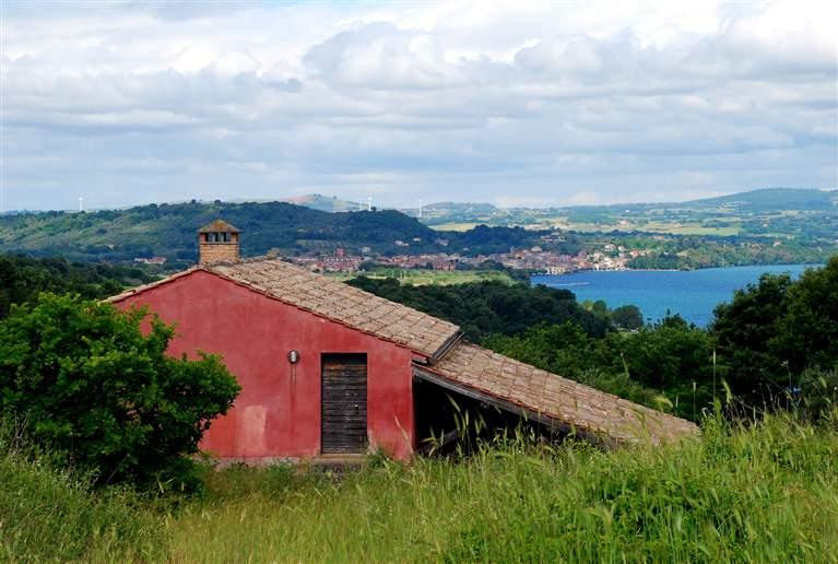 Rustico / Casale in vendita a Montefiascone, 5 locali, Trattative riservate | CambioCasa.it