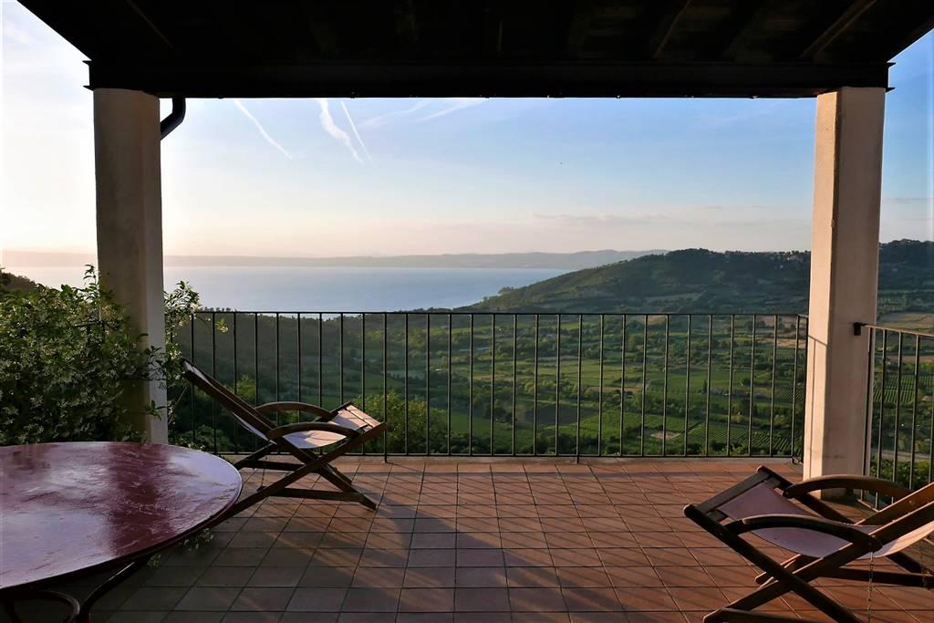 Villa in Vendita a Montefiascone