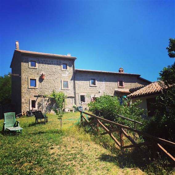 Rustico / Casale in vendita a Montefiascone, 9 locali, prezzo € 420.000 | CambioCasa.it