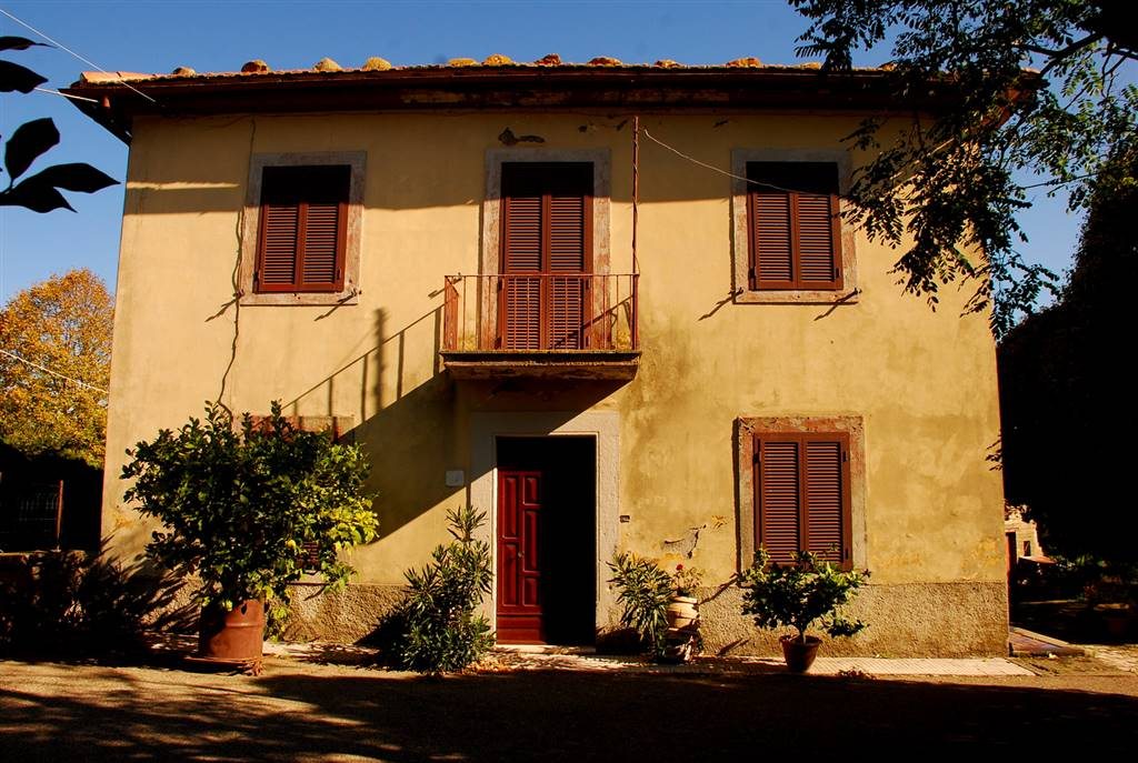 Soluzione Indipendente in vendita a Montefiascone, 6 locali, zona Zona: Poggio Frusta, prezzo € 110.000 | Cambio Casa.it