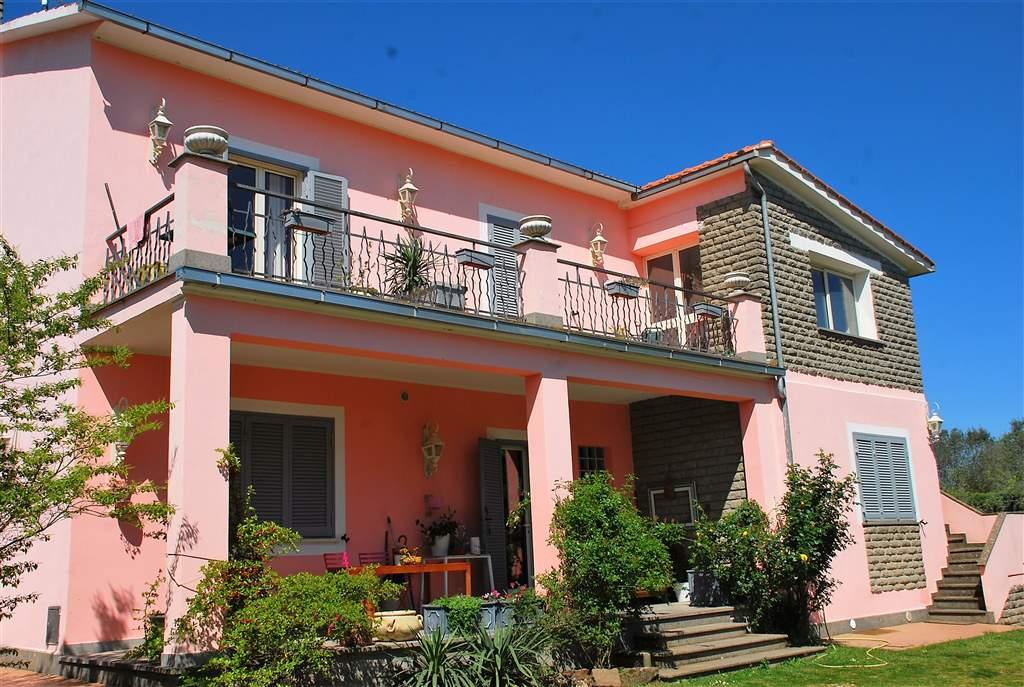 Villa in vendita a Vitorchiano, 8 locali, prezzo € 480.000 | Cambio Casa.it