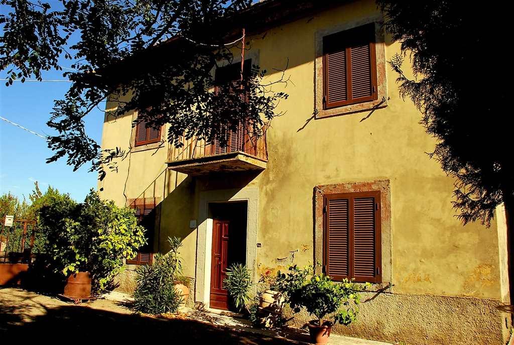 Soluzione Indipendente in vendita a Montefiascone, 12 locali, zona Zona: Poggio Frusta, prezzo € 250.000 | Cambio Casa.it