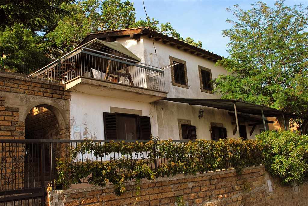 Rustico / Casale in vendita a Montefiascone, 4 locali, zona Zona: Coste-Pelucche, prezzo € 198.000 | Cambio Casa.it