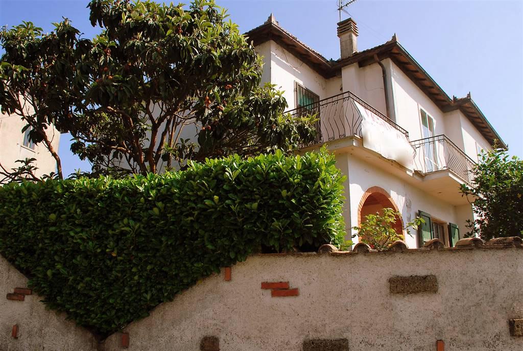 Villa in vendita a Montefiascone, 8 locali, zona Zona: Zepponami, prezzo € 150.000 | Cambio Casa.it