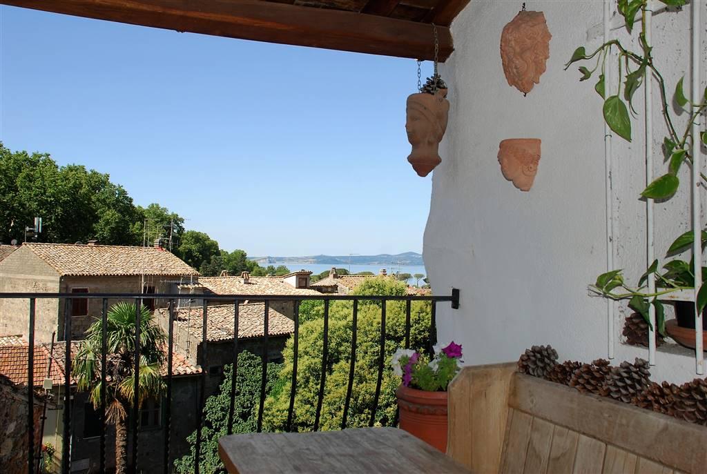 Appartamento in vendita a Bolsena, 4 locali, prezzo € 139.000 | Cambio Casa.it