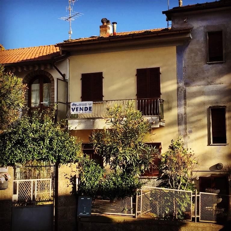 Soluzione Indipendente in affitto a Montefiascone, 4 locali, prezzo € 380 | Cambio Casa.it