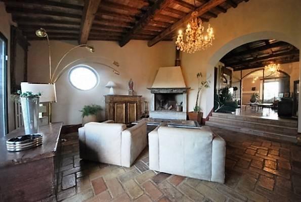 Rustico / Casale in vendita a Viterbo, 8 locali, zona Località: FASTELLO, Trattative riservate | Cambio Casa.it