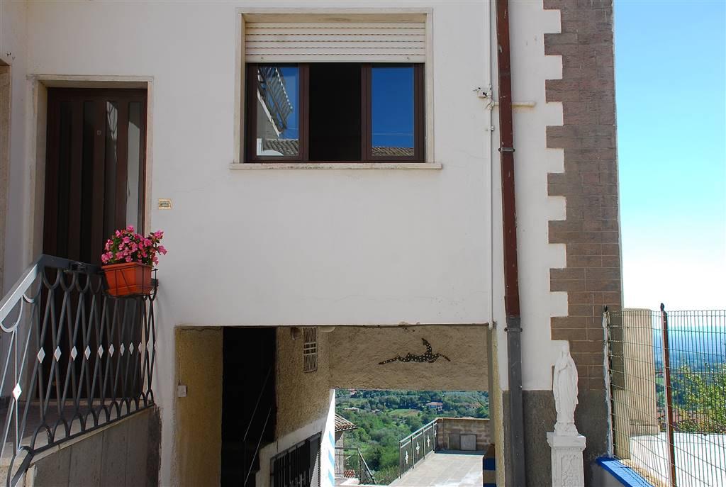 Soluzione Indipendente in vendita a Montefiascone, 2 locali, zona Zona: Mosse, prezzo € 58.000 | Cambio Casa.it