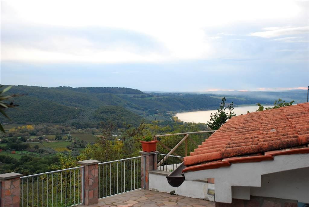 Rustico / Casale in vendita a Montefiascone, 4 locali, zona Zona: Coste-Pelucche, prezzo € 110.000 | CambioCasa.it