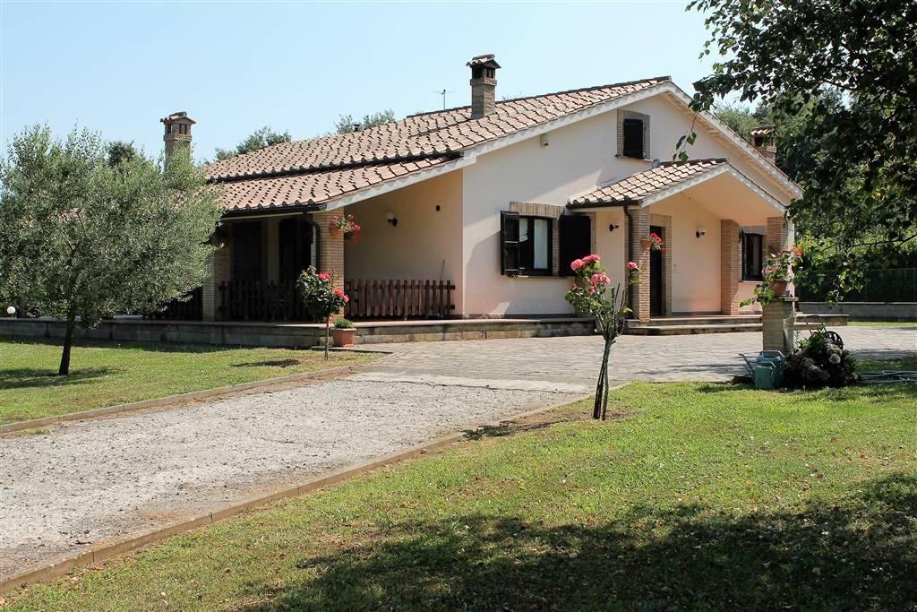 Villa in vendita a Castel Giorgio, 5 locali, zona Zona: Contrada Poderetto, prezzo € 360.000 | CambioCasa.it
