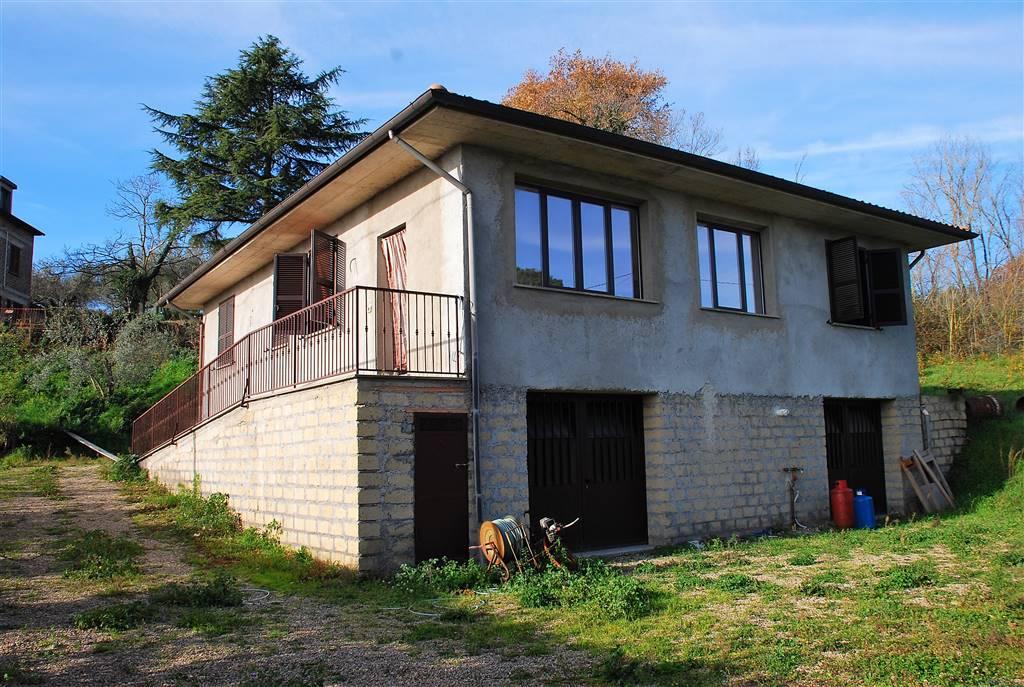 Soluzione Indipendente in affitto a Montefiascone, 4 locali, zona Località: PAOLETTI, prezzo € 400 | Cambio Casa.it