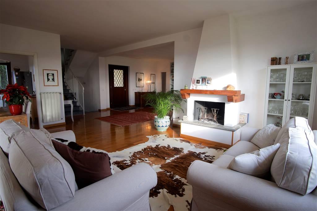 Villa in vendita a Montefiascone, 6 locali, zona Zona: Mosse, prezzo € 380.000 | Cambio Casa.it