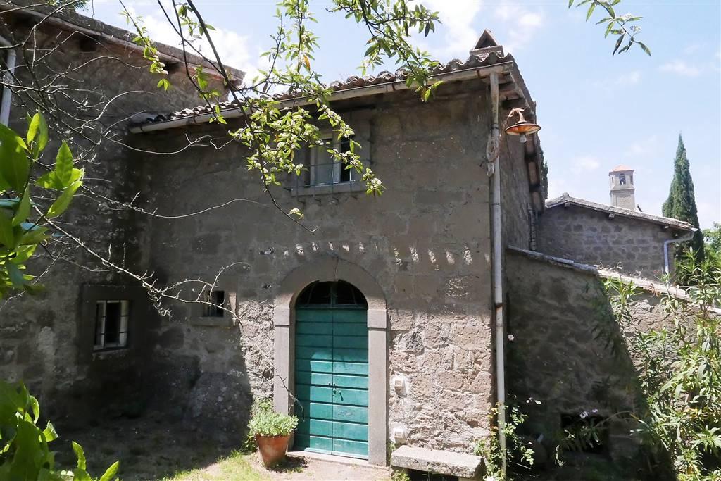 Rustico / Casale in vendita a Montefiascone, 6 locali, zona Zona: Coste-Pelucche, prezzo € 160.000 | CambioCasa.it