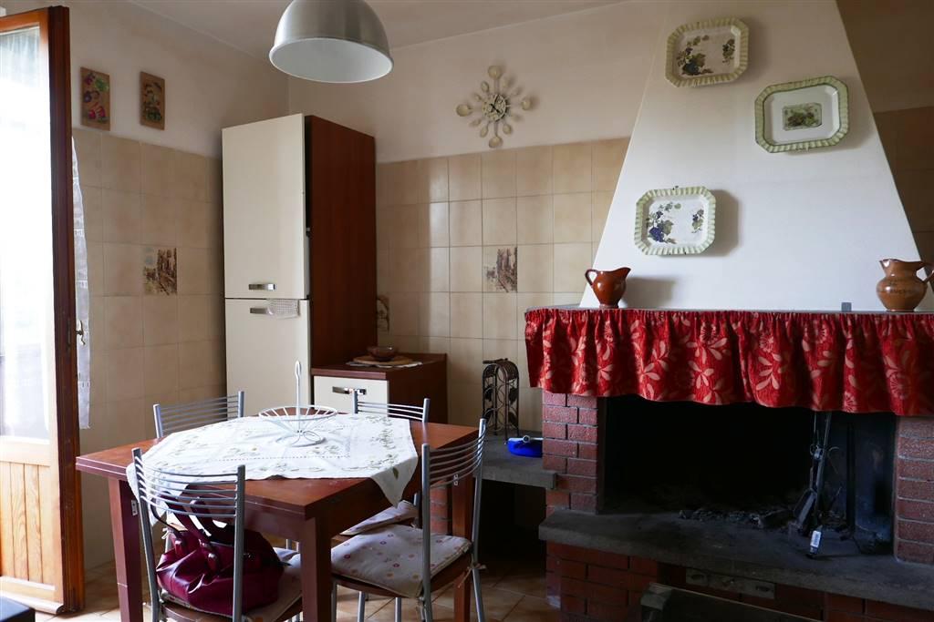 Appartamento in affitto a Montefiascone, 2 locali, prezzo € 280 | CambioCasa.it