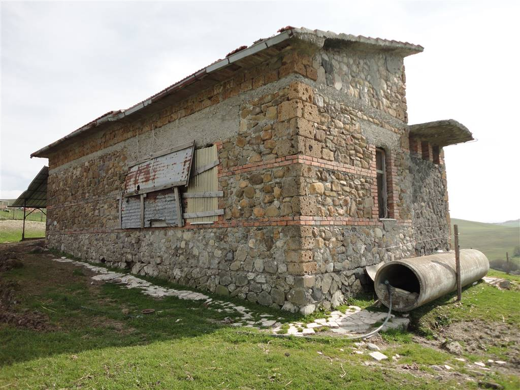 Casale da ristrutturare ed ampliare in Val d Orcia. rustico casale vendita toscana  siena radicofani 7144eb5fec8