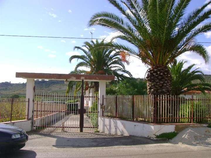 Villa in vendita a Ribera, 11 locali, prezzo € 220.000 | Cambio Casa.it
