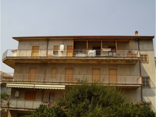 Appartamento in vendita a Capri Leone, 6 locali, prezzo € 150.000 | Cambio Casa.it