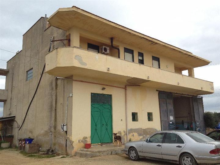 Casa Indipendente vendita RIBERA (AG) - 6 LOCALI - 400 MQ