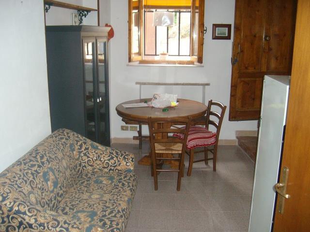 Appartamento in vendita a Casole d'Elsa, 2 locali, zona Zona: Mensano, prezzo € 58.000 | Cambio Casa.it