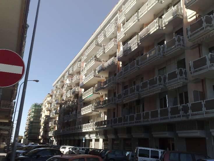 Negozio / Locale in vendita a Salerno, 1 locali, zona Zona: Torrione, prezzo € 40.000 | Cambio Casa.it