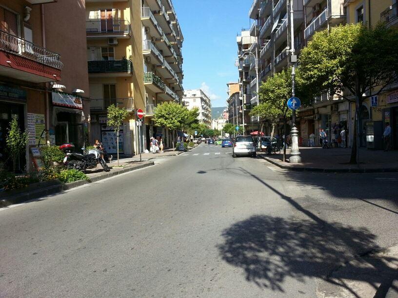 Appartamento in affitto a Salerno, 6 locali, zona Zona: Torrione, prezzo € 900   Cambio Casa.it