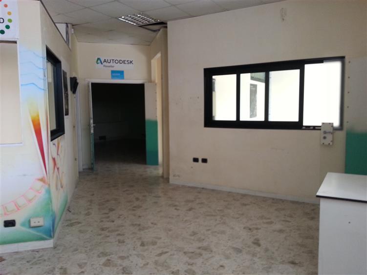 Negozio / Locale in vendita a Salerno, 9999 locali, zona Zona: Torrione, prezzo € 210.000 | Cambiocasa.it
