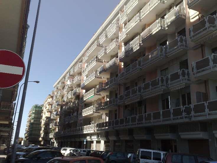 Negozio / Locale in vendita a Salerno, 9999 locali, zona Zona: Torrione, prezzo € 75.000 | Cambio Casa.it
