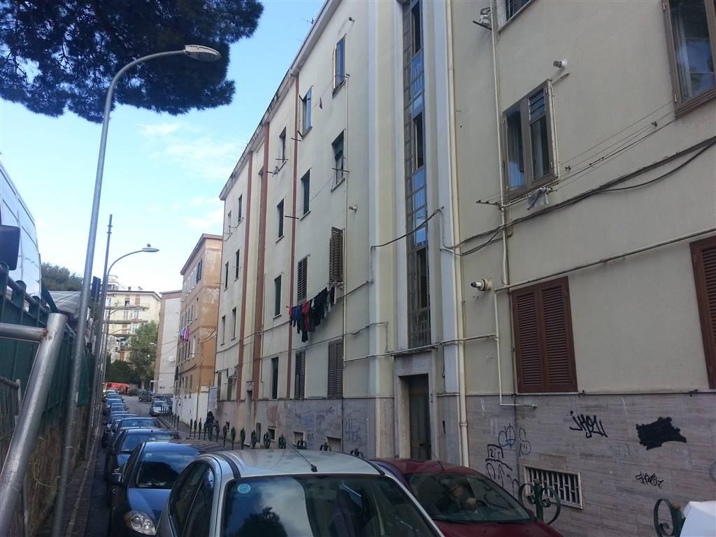 Appartamento in affitto a Salerno, 3 locali, zona Zona: Centro, prezzo € 600   Cambio Casa.it